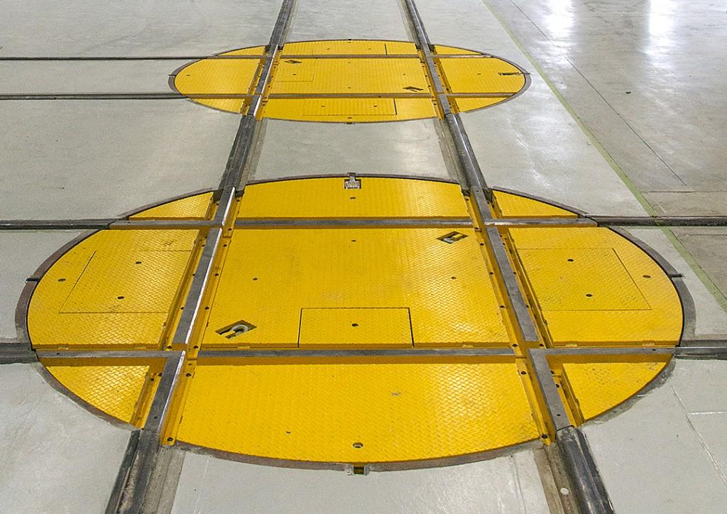 Railcar turntables locomotive turntables for Car turntable plans